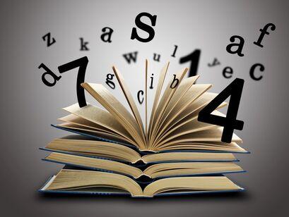 Bog med bogstaver og tal