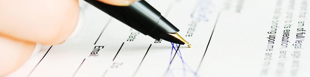 Underskrift på et stykke papir