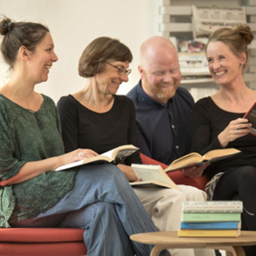 Fire belæste biblioteksfolk