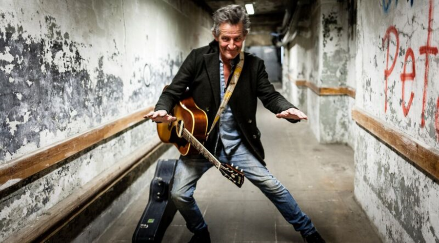 Guitarist Peter Viskinde