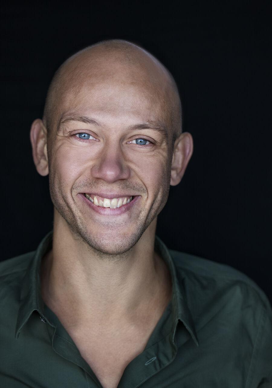 Yogainstruktør Simon Krohn