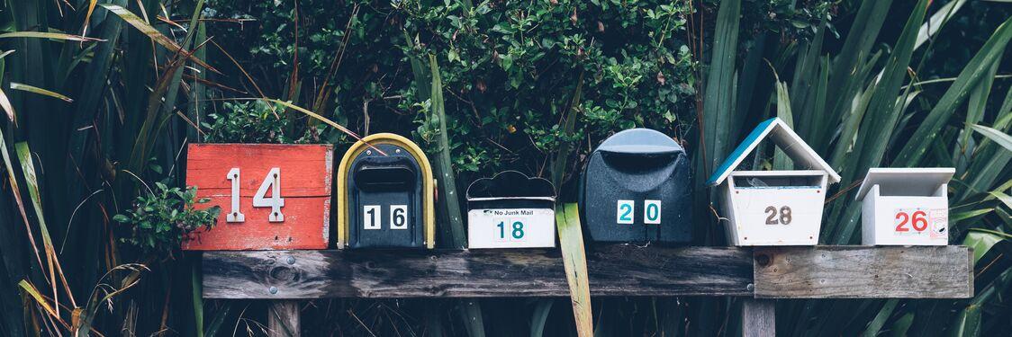 Forskellige postkasser